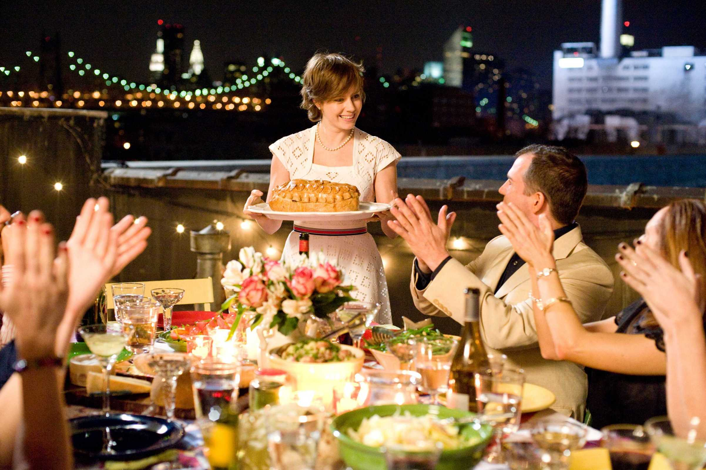 """Amy Adams as """"Julie Powell"""" in Columbia Pictures' Julie & Julia."""