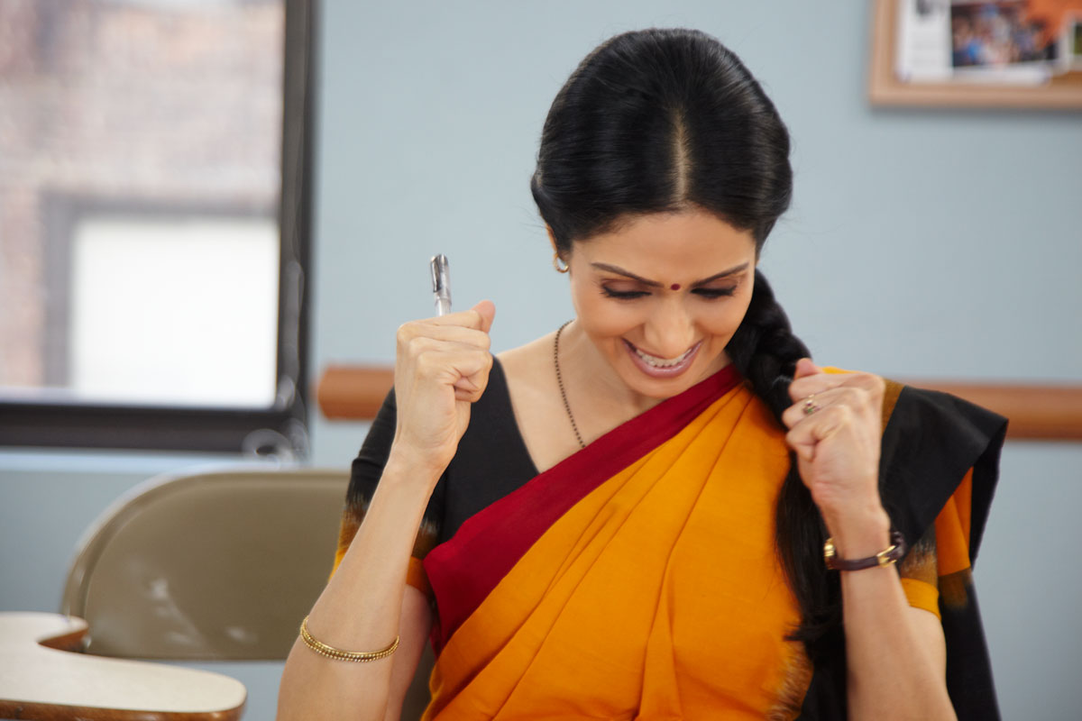 English-Vinglish-2012-Bollywood-Movie-Still-Ft.-Sridevi-Kapoor-00