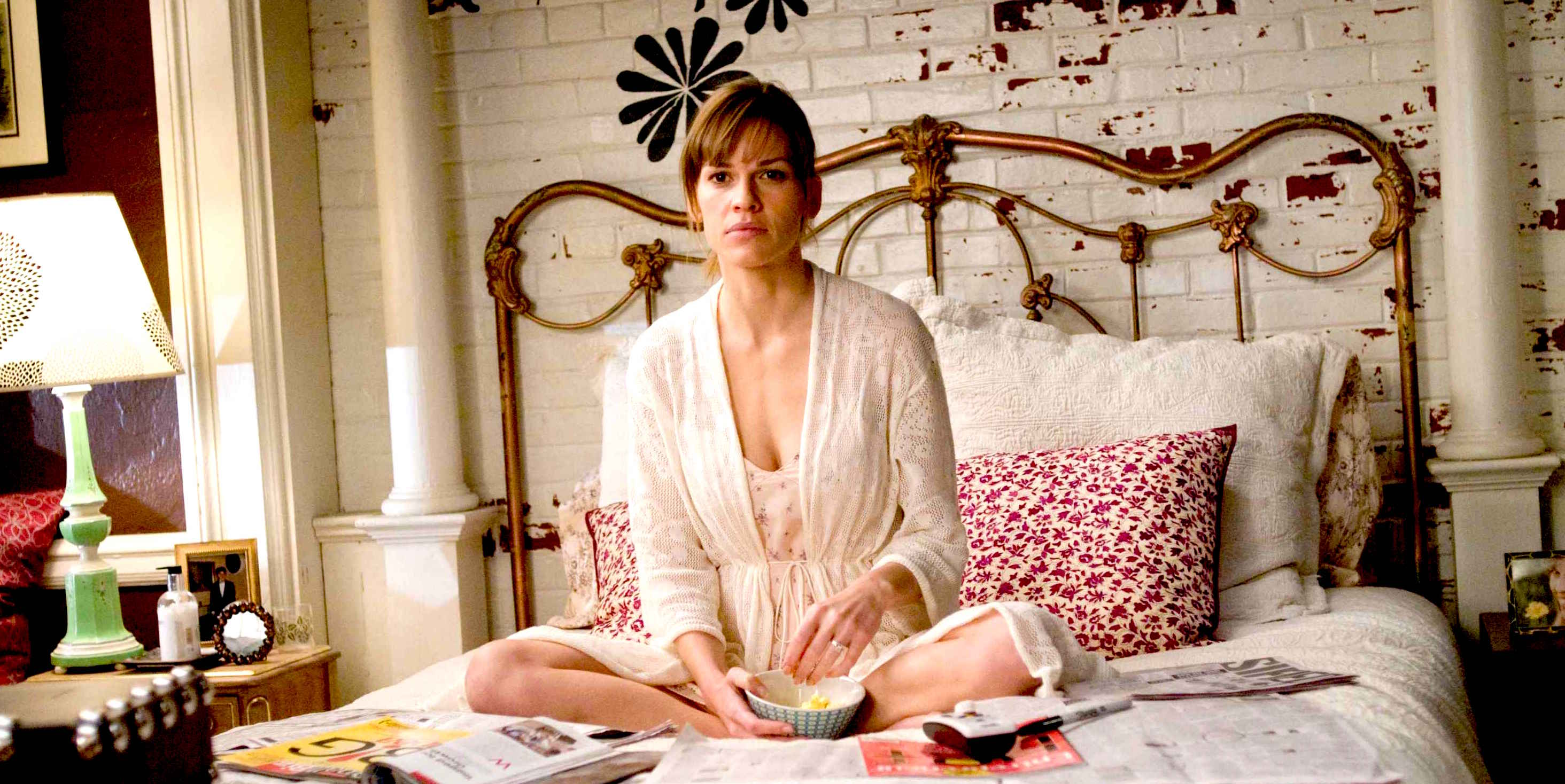 """HILARY SWANK stars as Holly Kennedy in Alcon Entertainment's romantic comedy """"P.S. I Love You,"""" distributed by Warner Bros. Pictures. The film also stars Gerard Butler. PHOTOGRAPHS TO BE USED SOLELY FOR ADVERTISING, PROMOTION, PUBLICITY OR REVIEWS OF THIS SPECIFIC MOTION PICTURE AND TO REMAIN THE PROPERTY OF THE STUDIO. NOT FOR SALE OR REDISTRIBUTION"""